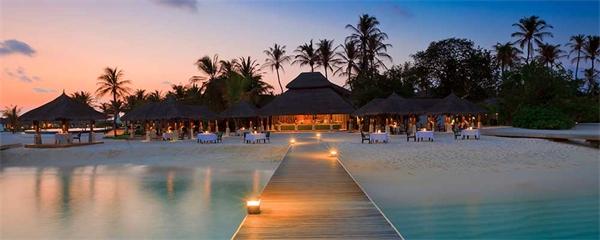 Avslappnad lyx på bekvämt avstånd - Velassaru Maldives